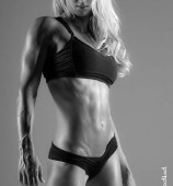 holly-bricken-fitness-001